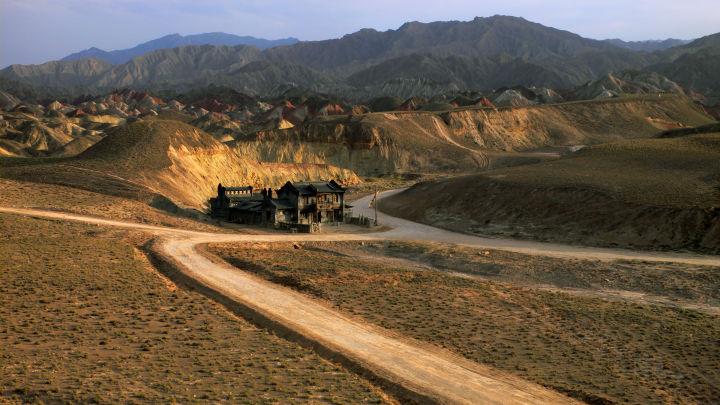 电影《三枪拍案惊奇》搭建的麻子面馆外景